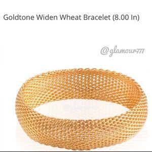 Jewelry - Bracelet: 🔥was $39 Gold Plated Flexible Bracelet.